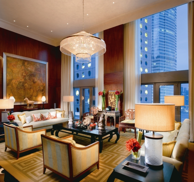 Estilos de Decoración VI : Eduardiano, Georgiano y Hollywood Regency - Página 2 Mandarin_Oriental_Hong_Kong_Mandarin_Suite_Living_Room.redimensionado