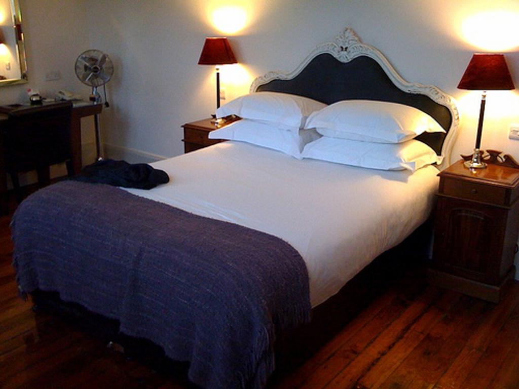 Hotel ecl ctico con habitaciones victorianas hoteles for Hoteles con habitaciones comunicadas