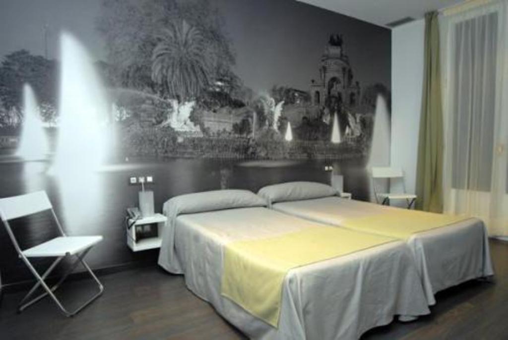Hotel de los cuatro elementos hoteles originales for Hoteles barcelona habitaciones cuadruples