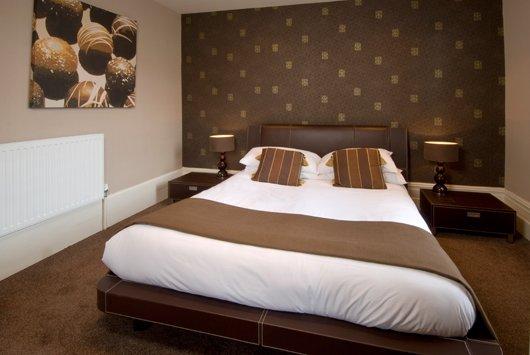 Hotel de chocolate hoteles originales - Pared marron chocolate ...
