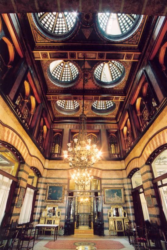 Lujo hoteles originales for Taksim pera orient hotel