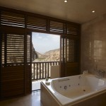 Royal_Suite_Bathroom1