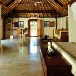 pbal_1366x570_room_gardenview_cottage_suite01