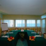 Sala-de-conferencias-del-hote-Grotta-Palazzese